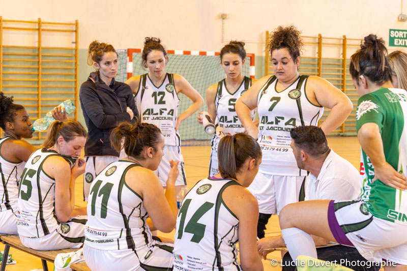 photographe-professionnelle-basketball-equipe-filles